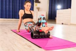 6 Masajes de piernas con foam roller